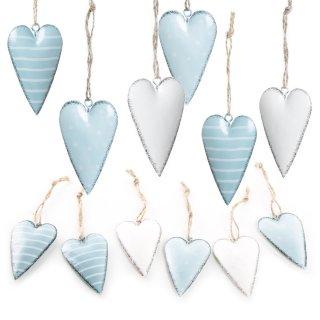 Herzanhänger aus Metall blau türkis weiß gepunktet & gestreift - 12 Stück