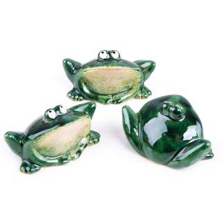 3 sitzende grüne Frösche aus Porzellan - als Glücksbringer Krafttier Symbol