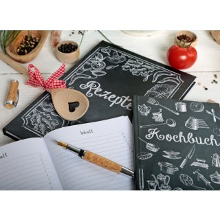 Kleines DIY Rezeptbuch mit leeren Seiten DIN A5 schwarz weiß Tafelkreide-Stil mti Metallecken