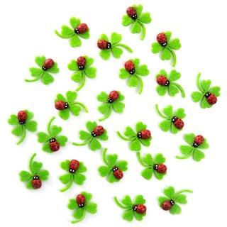 24 mini Filz Kleeblätter grün mit Marienkäfer 3 cm und Klebepunkt - Tischdeko Streudeko