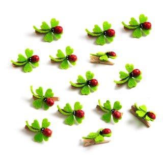 14 Mini Kleeblätter aus Filz auf Holzklammer - Dekoklammer grün rot