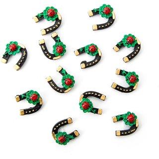 12 kleine schwarze Hufeisen 3 cm mit Marienkäfer und Kleeblatt - Tischdeko Glücksbringer Silvester