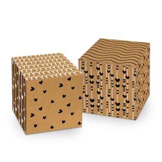 Braun schwarze Schachtel in 7 x 7 cm mit Herzen - für kleine Geschenke Aufmerksamkeiten