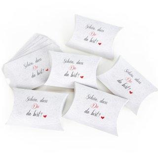 Geschenkbox in 15 x 10,3 x 3 cm Schön dass du da bist weiß schwarz rot mit Herz